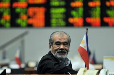 Trader smiles on news of the bailout