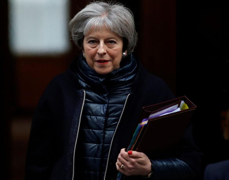 Theresa May nomme une ministre de la Solitude — Royaume-Uni