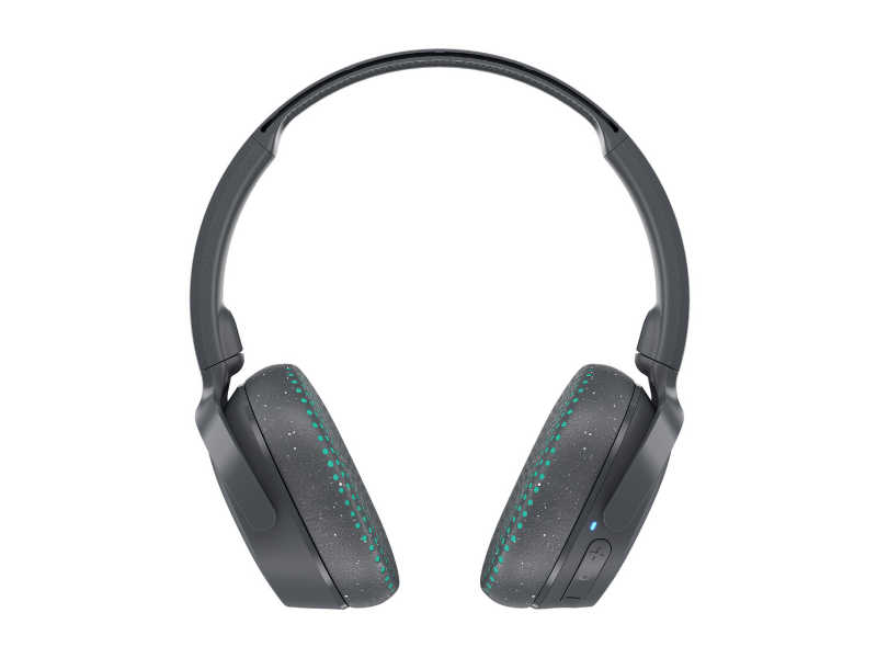 Skullcandy Riff Bluetooth Wireless Over-Ear Headphones with Mic. (Photo: Walmart)