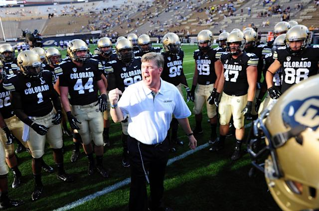 Colorado football and its campus police bond during impromptu softball game