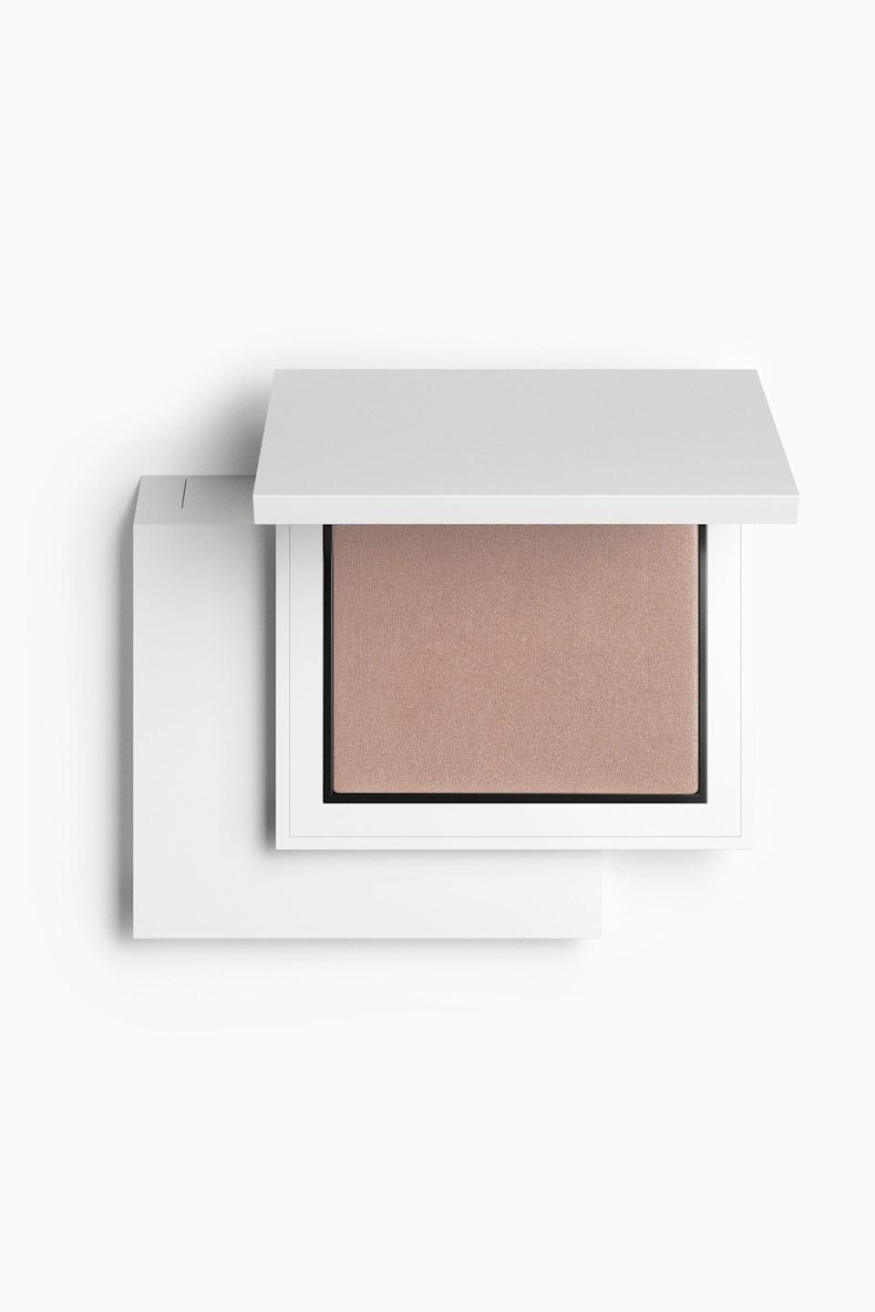"""<h3>Bronzer</h3><br>Kendal describes this refillable <a href=""""https://www.refinery29.com/en-us/best-bronzers-for-every-skin-tone"""" rel=""""nofollow noopener"""" target=""""_blank"""" data-ylk=""""slk:bronzer"""" class=""""link rapid-noclick-resp"""">bronzer</a>, available in five different shades, as a """"velvety powder"""" that gives skin an """"instant boost, subtly warming up.""""<br><br><strong>Zara</strong> Bronzer - Refillable, $, available at <a href=""""https://go.skimresources.com/?id=30283X879131&url=https%3A%2F%2Fwww.zara.com%2Fus%2Fen%2Fbronzer---refillable-p24130105.html"""" rel=""""nofollow noopener"""" target=""""_blank"""" data-ylk=""""slk:Zara"""" class=""""link rapid-noclick-resp"""">Zara</a>"""