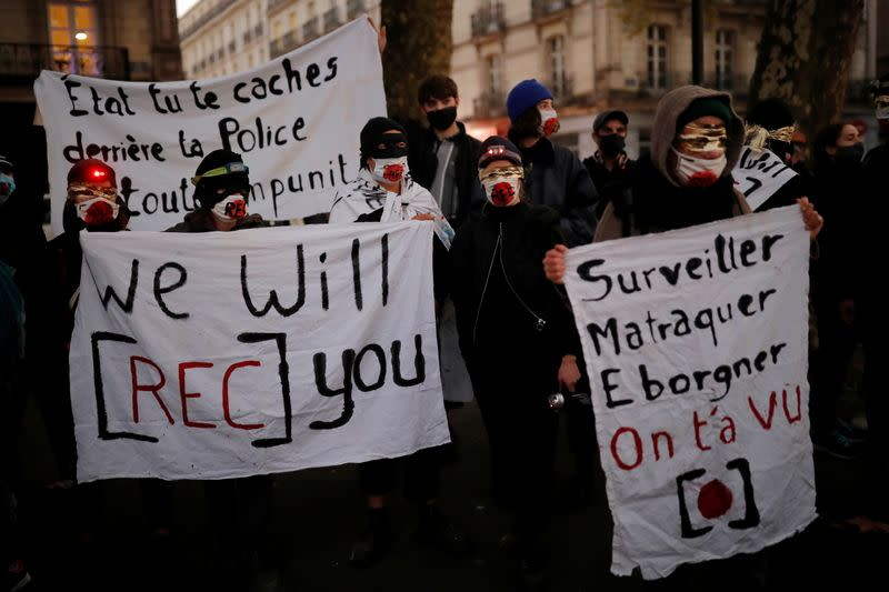 Protests in France over proposed curbs on identifying police