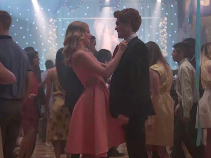 betty and archie dance riverdale