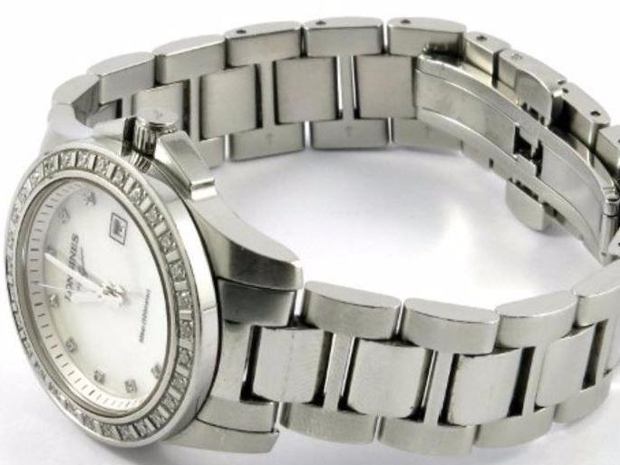 You actually can afford a really good watch if you go pre-loved. Source: Cash Converters