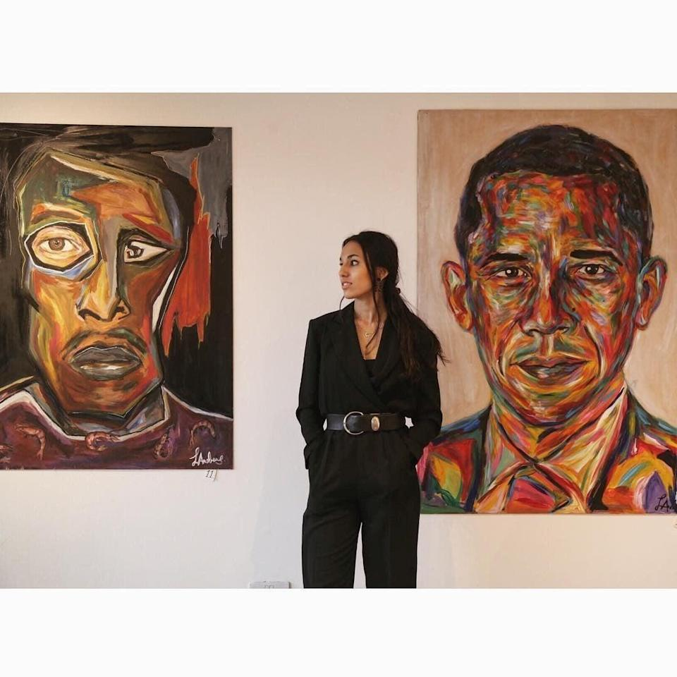 Artist Layla Andrews with her portrait of Barack Obama (Layla Andrews)