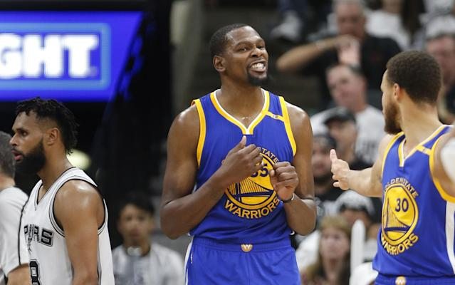 """When the Warriors needed a boost, <a class=""""link rapid-noclick-resp"""" href=""""/nba/players/4244/"""" data-ylk=""""slk:Kevin Durant"""">Kevin Durant</a> was there with a bucket. (AP)"""