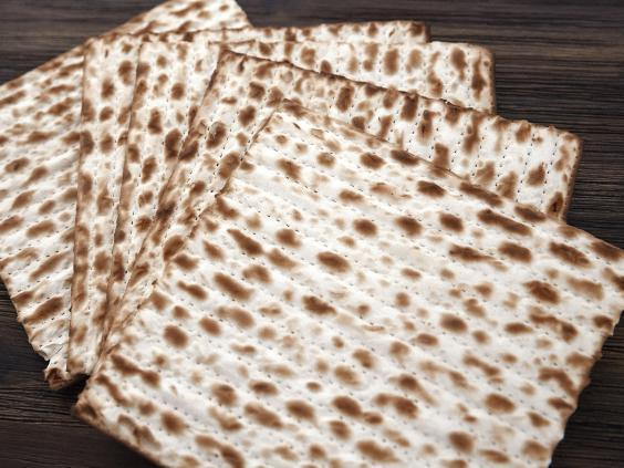 Matzah (Getty Images/iStockphoto)