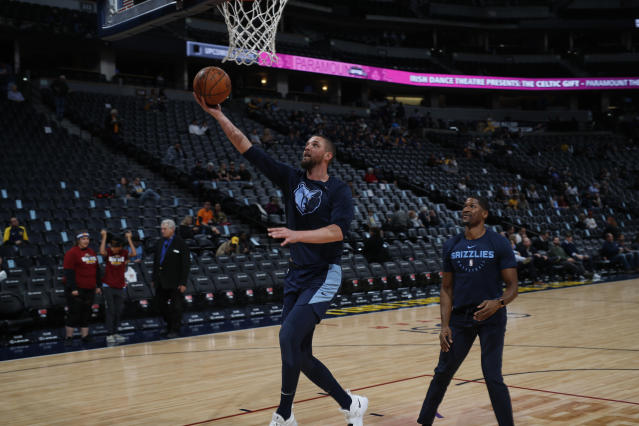 """<a class=""""link rapid-noclick-resp"""" href=""""/nba/teams/mem"""" data-ylk=""""slk:Grizzlies"""">Grizzlies</a> forward <a class=""""link rapid-noclick-resp"""" href=""""/nba/players/4920/"""" data-ylk=""""slk:Chandler Parsons"""">Chandler Parsons</a> likely will not play despite being medically cleared. (AP Photo/David Zalubowski)"""