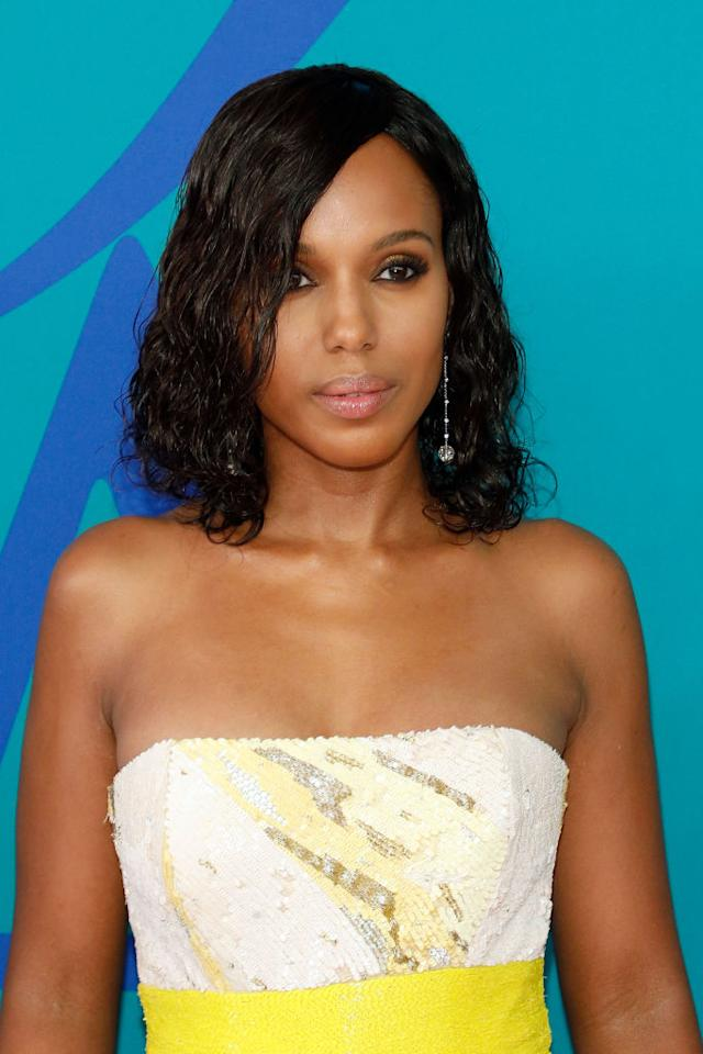 <p><em>Scandal's </em>favorite star stole the spotlight with a cropped curly wet look. (Photo: FilmMagic) </p>