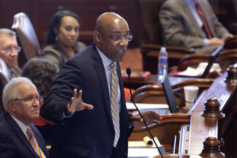 Illinois enacts nation's final concealed-gun law