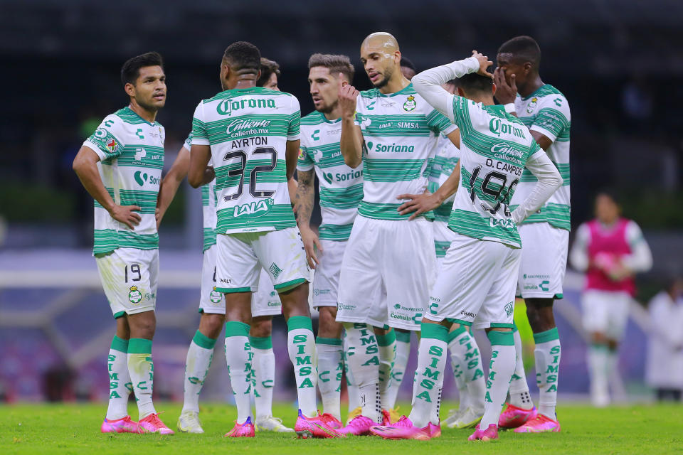 MEXICO CITY, MEXICO - MAY 30: Players of Santos talk during the Final second leg match between Cruz Azul and Santos Laguna as part of Torneo Guard1anes 2021 Liga MX at Azteca Stadium on May 30, 2021 in Mexico City, Mexico. (Photo by Mauricio Salas/Jam Media/Getty Images)