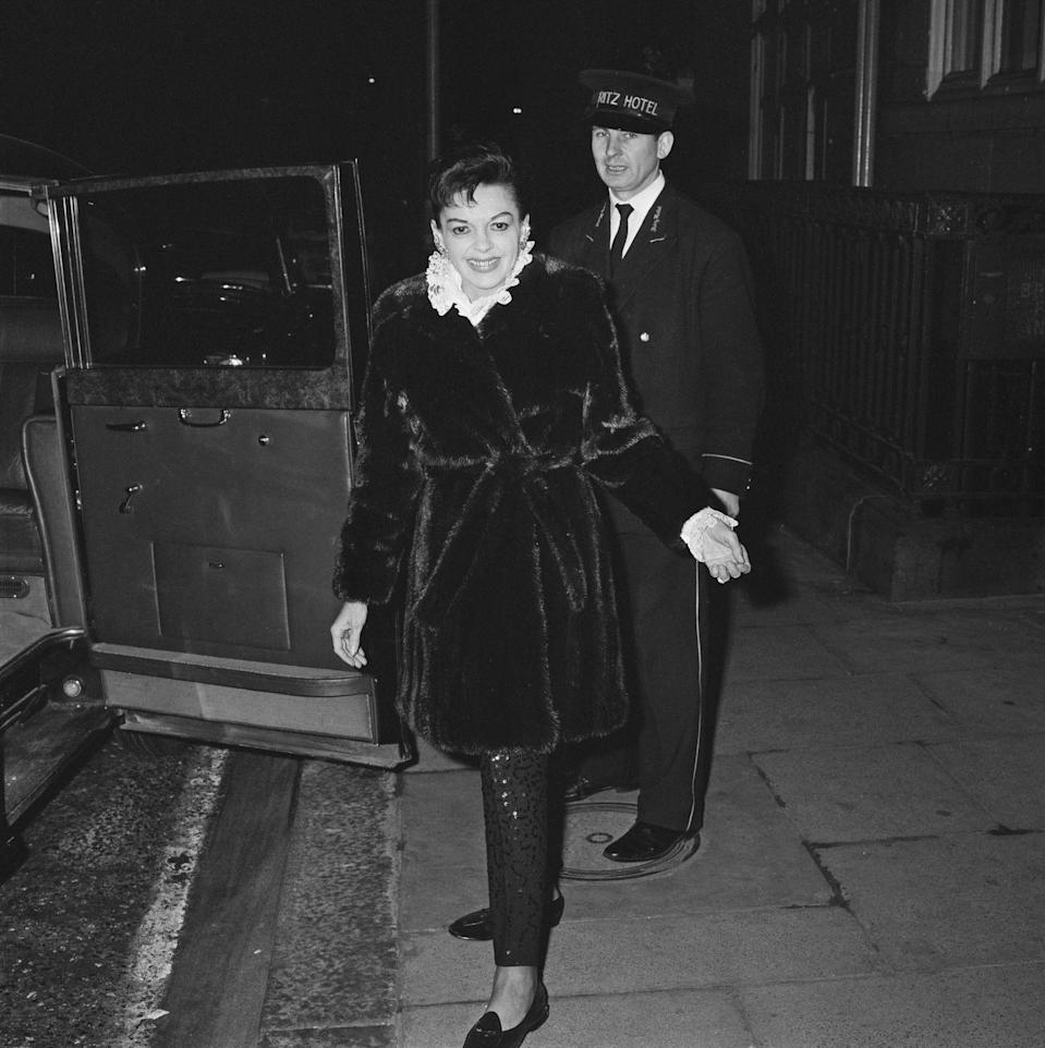 <p>Despite many sell-out concerts in the late '60s, Judy found herself deeply in debt and owing significant back taxes due to mismanagement and embezzlement. She headed to London to stage yet another comeback. </p>