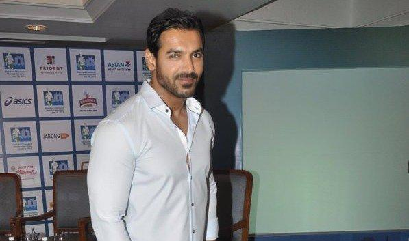 John Abraham The skinny man with cute dimples and floppy hair, in Pankaj Udhas' Chupke Chukpe, is none other than our B'wood hulk John Abraham!