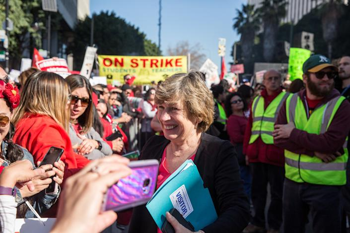 American Federation of Teachers president Randi Weingarten greets a crowd of striking teachers in downtown Los Angeles, Calif., in Jan. 2019. (Photo: Scott Heins/Getty Images)