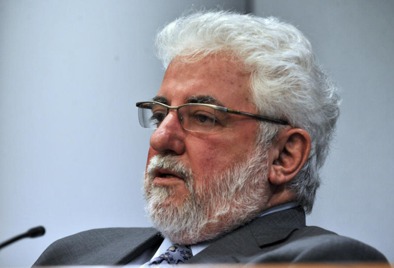 Dr. Richard Ofshe, a social psychologist, testifies at Michael Skakel's habeas corpus trial at State Superior Court in Vernon, Conn., on Monday, April 22, 2013. Ofshe, an expert on coerced confessions, cast doubt on testimony that Skakel confessed to a 1975 murder, saying the alleged statements were made at a reform school where he was subject to beatings and humiliation. (AP Photo/The Stamford Advocate,Jason Rearick, Pool)