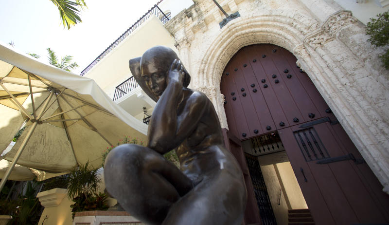 5 things to know about the ex-Versace mansion