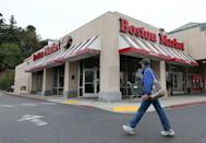 "<p>Boston Market is best known for its rotisserie chicken, mashed potatoes, and overall yummy comfort food. On Christmas, they typically offer a special Christmas Day Menu, though it's best to review their <a href=""https://www.bostonmarket.com/locations/"" rel=""nofollow noopener"" target=""_blank"" data-ylk=""slk:store locator"" class=""link rapid-noclick-resp"">store locator</a> to find out if your local restaurant will be open, since not all locations will be. You can also order ahead and pickup dinner if you aren't comfortable going to the chain, even with restrictions and safety measures in place.</p>"