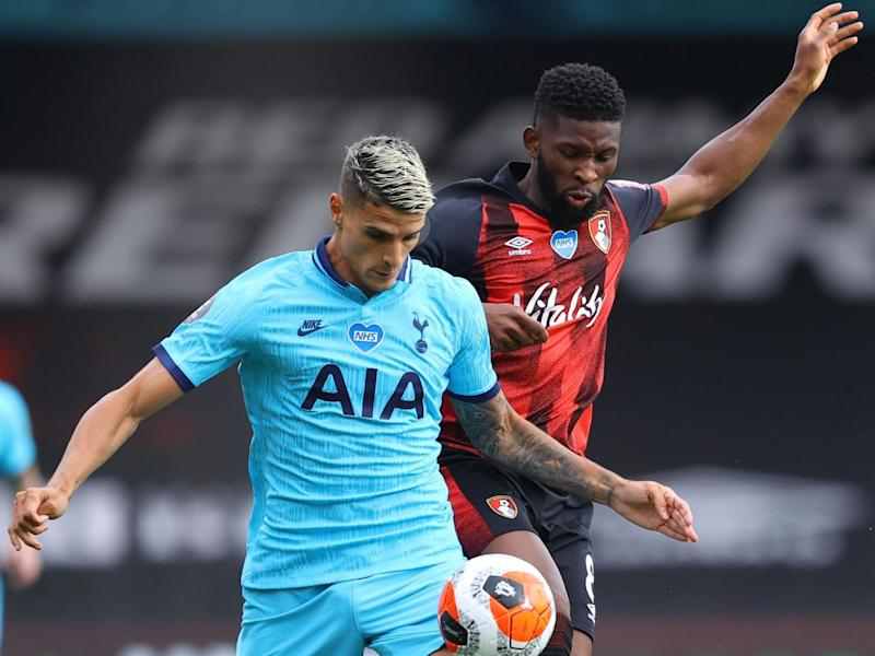 Tottenham Hotspur's Erik Lamela (L) vies for the ball with Bournemouth's Jefferson Lerma: Getty