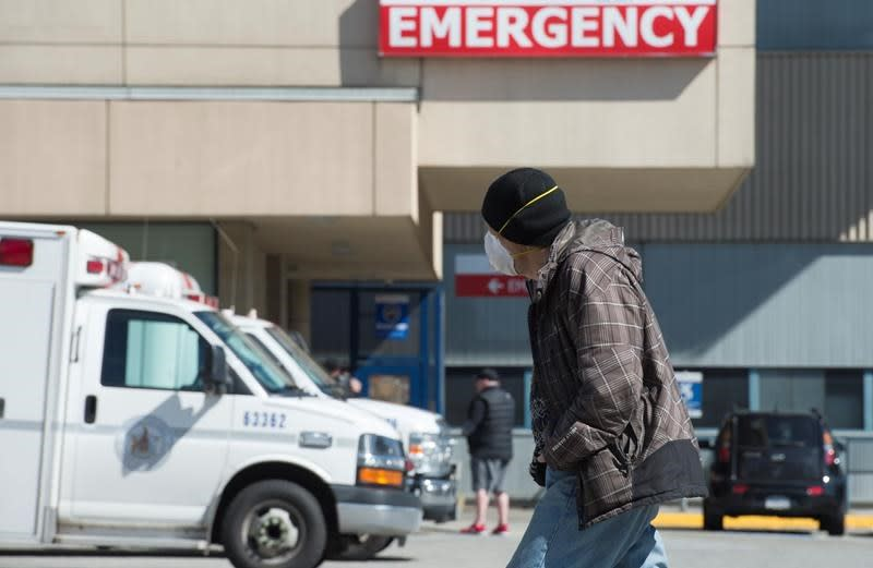 Emergency department visits down 25 per cent in early weeks of pandemic: report