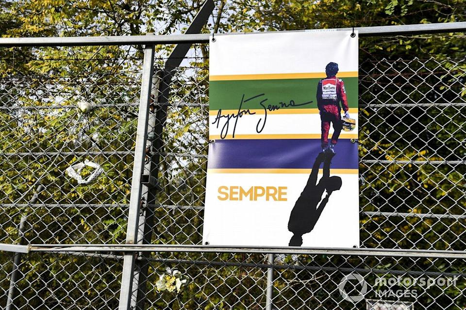 "A tribute to Ayrton Senna on the catch fence<span class=""copyright"">Mark Sutton / Motorsport Images</span>"