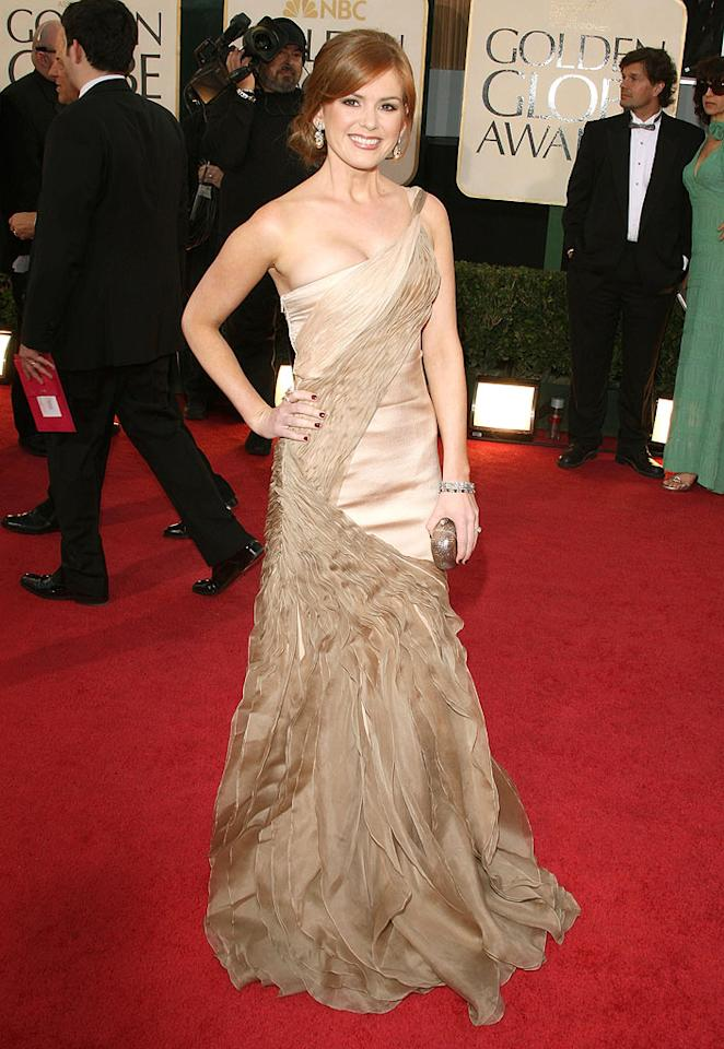 """Isla Fischer (""""Confessions of a Shopaholic"""") was simply stunning in her one-shoulder gown. Jason Merritt/<a href=""""http://www.gettyimages.com/"""" target=""""new"""">GettyImages.com</a> - January 11, 2009"""