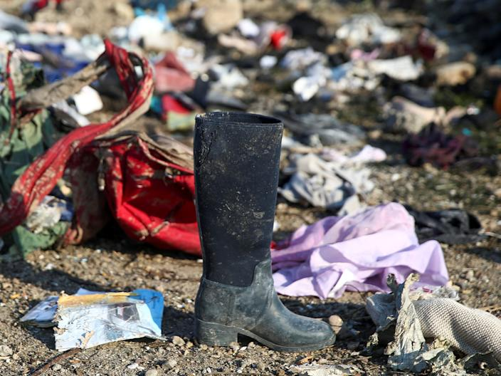 Passengers' belongings are seen at the site where the Ukraine International Airlines plane crashed after takeoff from Iran's Imam Khomeini airport, on the outskirts of Tehran, Iran. (Photo: Nazanin Tabatabaee/WANA (West Asia News Agency) via Reuters)