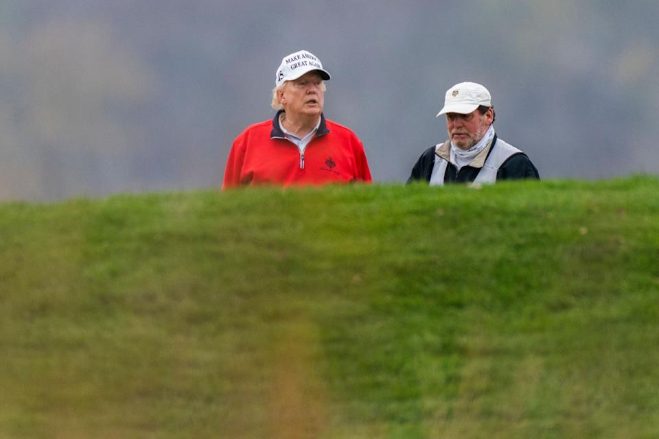 <strong>Trump skipped a global coronavirus pandemic meeting to play golf on Saturday.</strong> (Photo: ASSOCIATED PRESS)