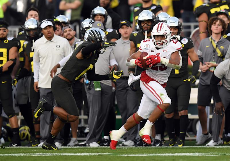 Wisconsin RB Jonathan Taylor rushed for 2,003 yards in 2019. (Photo by Chris Williams/Icon Sportswire via Getty Images)