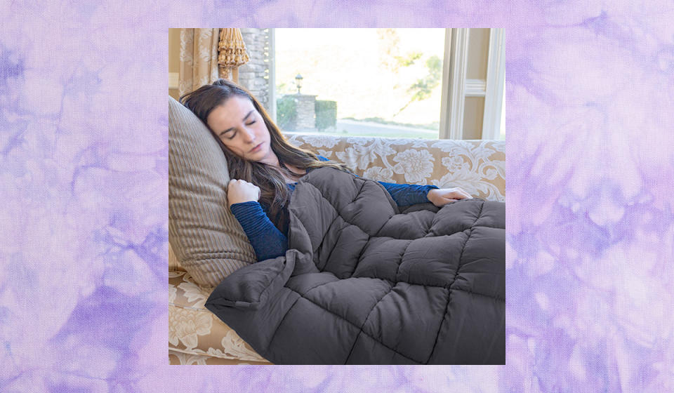 Don't sleep on this deal--so you can sleep under this blankie! (Photo: Walmart)