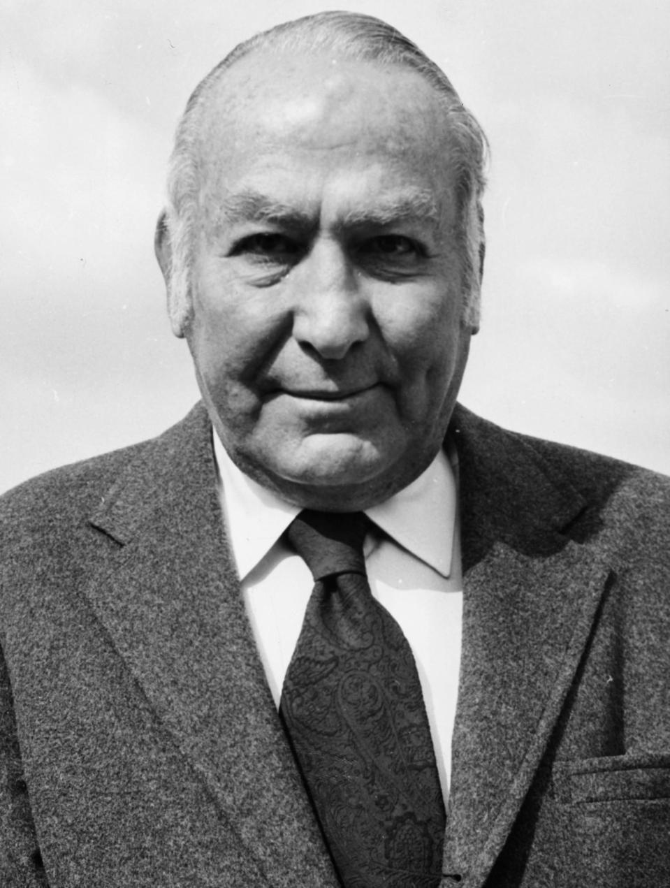 <p>The award wasn't given out in 1976, but producer Hal B. Wallis won the Cecil B. DeMille Award in 1975.</p>
