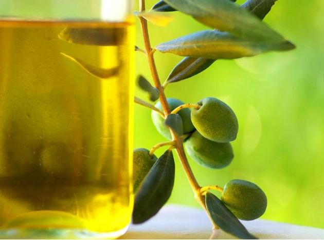 Olive Oil: Mono-unsaturated fats like those found in olive oil, work to reduce belly fat and don't increase calorie intake.