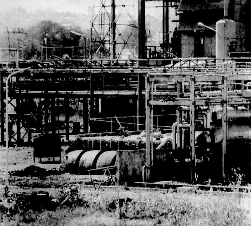 File image of Union Carbide's Bhopal factory from which poison gas leaked in December 1984 killing thousands. Reuters