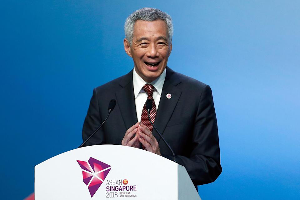 Singapore's Prime Minister Lee Hsien Loong smiles during the Closing Ceremony of the ASEAN Summit and Related Summit in Singapore, November 15, 2018. REUTERS/Edgar Su)