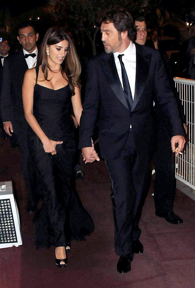 """The latest couple to elope far from the Hollywood spotlight? Penelope Cruz and Javier Bardem, who tied the knot in a small ceremony in early July at a friend's house in the Bahamas. The low-key Spaniards have been romantically linked since 2007. <a href=""""http://www.infdaily.com"""" target=""""new"""">INFDaily.com</a> - May 17, 2010"""