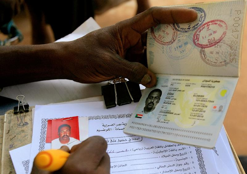 While Egyptians went visa-free under a deal signed between the two countries in 2004, Sudanese nationals had to obtain visas for entering Egypt