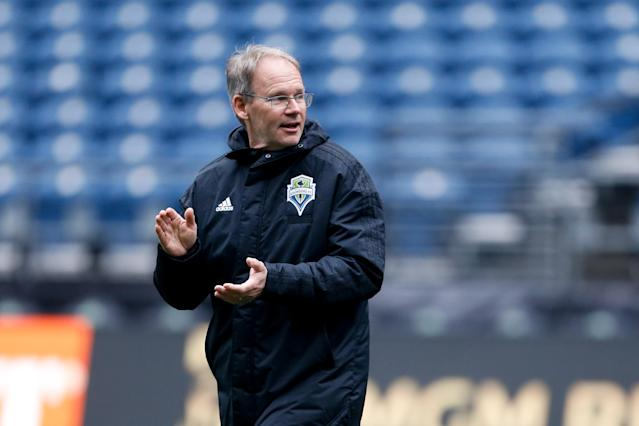Seattle Sounders coach Brian Schmetzer put his team through one final training session ahead of Sunday's MLS Cup. (Jennifer Buchanan/USA Today)
