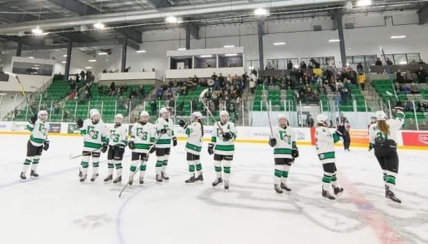 The University of Saskatchewan's partnership withPattison Media marks the first time a private broadcaster in Canada has committedto broadcasting a full season of women's hockey. (@HuskiesWHKY/Twitter - image credit)