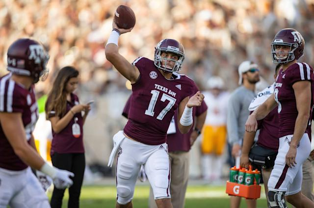 "Texas A&amp;M quarterback <a class=""link rapid-noclick-resp"" href=""/ncaaf/players/267226/"" data-ylk=""slk:Nick Starkel"">Nick Starkel</a> (17) warms up before the start of an NCAA college football game against Louisiana Monroe Saturday, Sept. 15 2018, in College Station, Texas. (AP Photo/Sam Craft)"