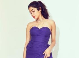 Janhvi Kapoor flaunting curves in thigh-high slit purple dress, see pics