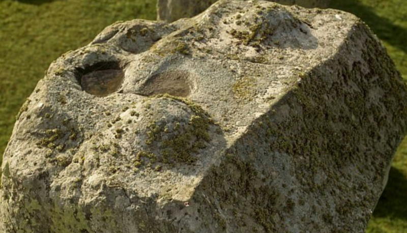 One of the sarsen blocks on Stonehenge has markings similar to those of a mortise and tenon joint clearly visible. (SWNS)