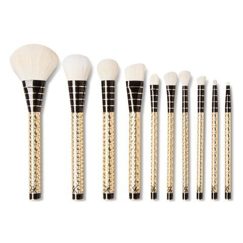 "<p>These high-quality makeup brushes covered in gold stars will last for years and handle your every need.<a href=""http://www.target.com/p/sonia-kashuk-limited-edition-10pc-brush-set-facet-nating/-/A-49116177#prodSlot=medium_1_1""> Sonia Kashuk Limited Edition 10pc Brush Set</a> ($40)</p>"