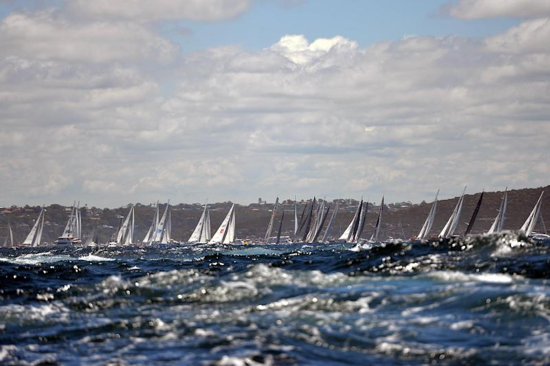 The start of the annual Sydney to Hobart yacht race on December 26, 2013 (AFP Photo/Saeed Khan)