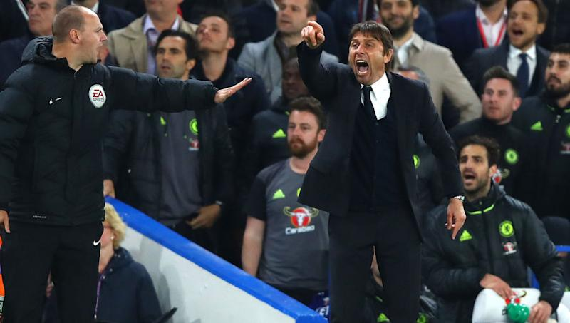 VIDEO: Chelsea Boss Antonio Conte Looks Disgusted After Hearing News of Tottenham's Vital Comeback