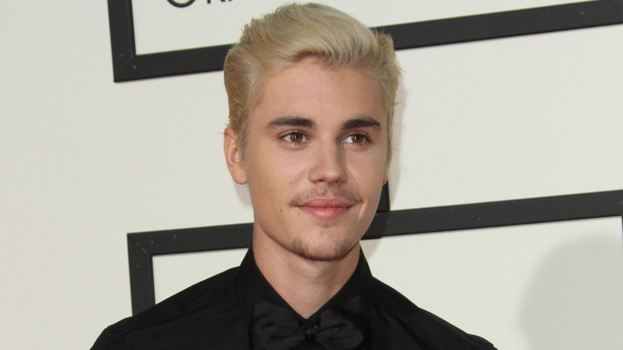 Justin Bieber hearts Selena Gomez  and if the rumors are true, he's gone through a ton of ladies in an effort to get over his first love. Here's a list of all the beautiful women he's reportedly hooked up with since breaking up with Gomez. Originally published August 2016. Updated April 2017.