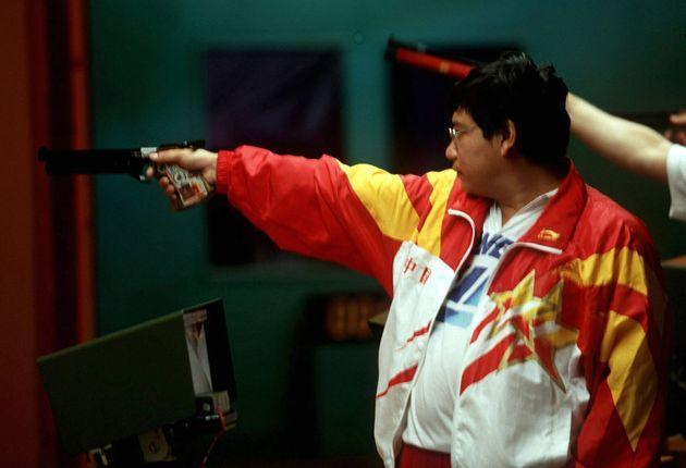 UNITED STATES - JULY 20:  SCHIESSEN: ATLANTA 1996 Luftpistole/Maenner 20.7.96, Yifu WANG - CHN/- SILBER - .  (Photo by Lutz Bongarts/Bongarts/Getty Images) (Photo: Lutz Bongarts via Getty Images)
