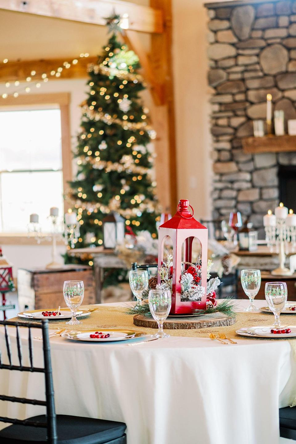 <p>Matching the party to the season is charming and cute no matter what month of the year it is. If your bride loves a certain holiday, theme her shower after it, and feel free to get creative.</p>