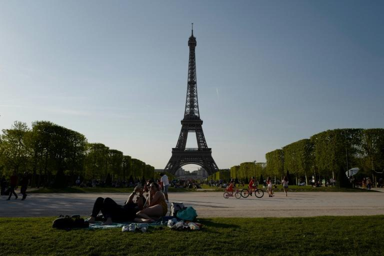 The incident took place in the Champs de Mars, a popular park by the Eiffel tower