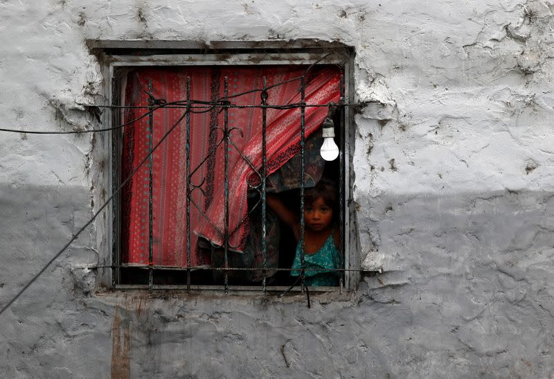 Argentine families struggle against poverty as unemployment, inflation and the pandemic batter the economy