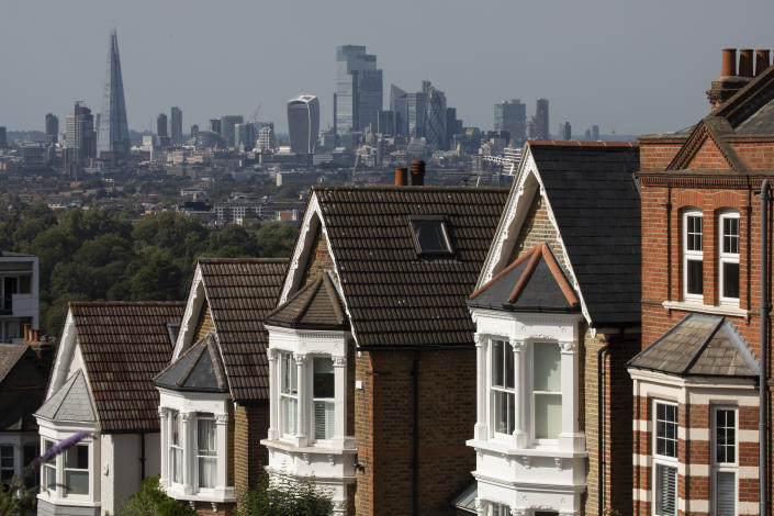 Rows of houses in London, England. Fewer properites are coming up for sale, pushing up demand and prices. Photo: Dan Kitwood/Getty Images