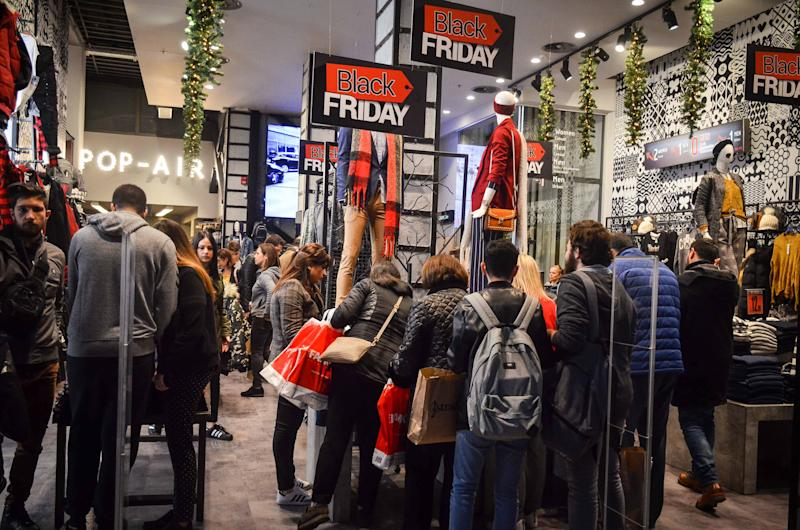 ATHENS, GREECE - 2018/11/23: Shoppers are seen at a store on Black Friday. (Photo by Ioannis Alexopoulos/SOPA Images/LightRocket via Getty Images)